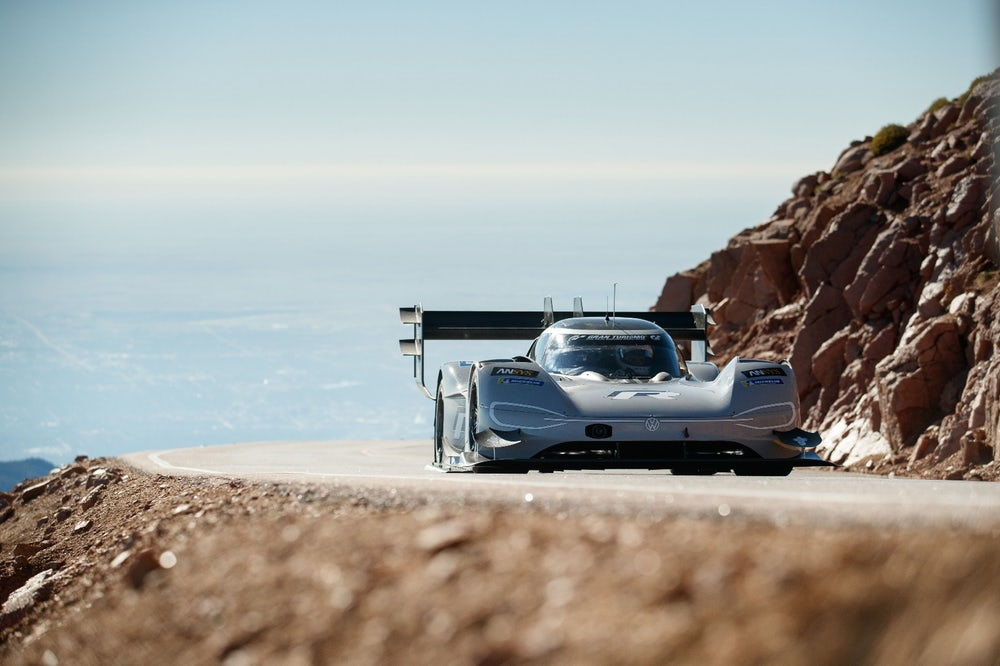 volkswagen-id-r-pikes-peak-all-time-record-4