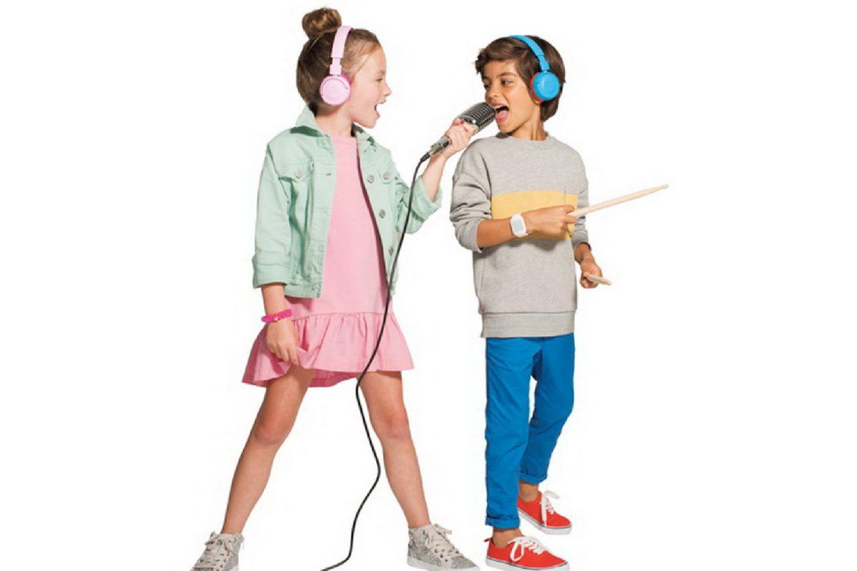 Ta JBL Junior παρέχουν θρυλικό ήχο με Kid Friendly ένταση