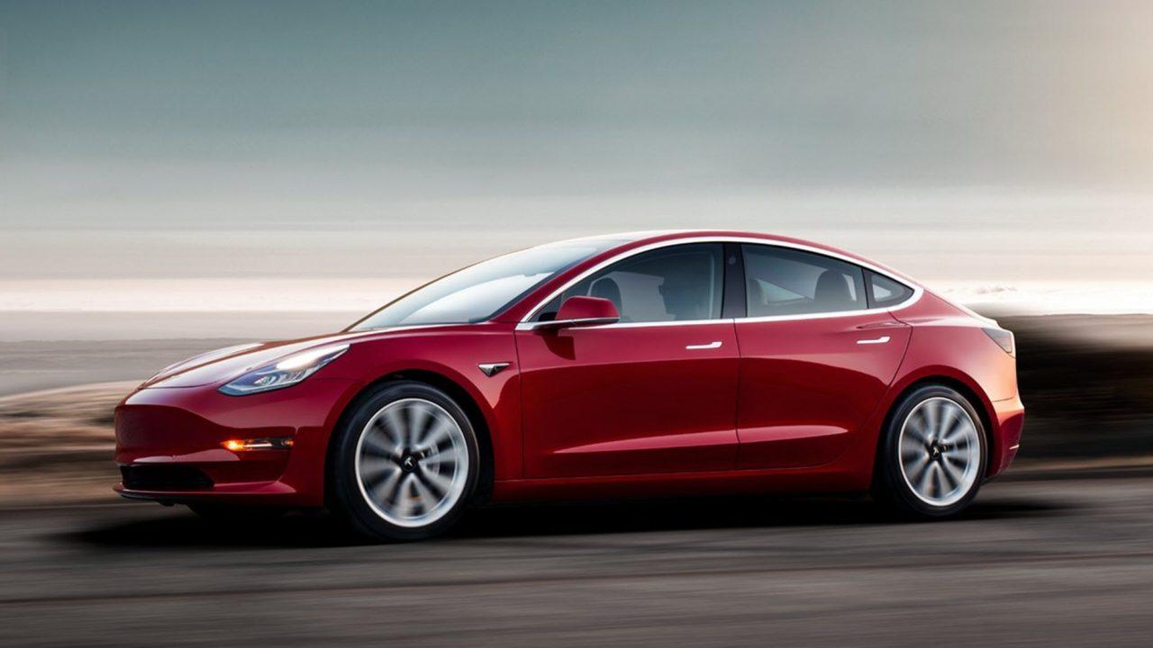 https://www.matrixlife.gr/wp-content/uploads/2019/03/Tesla-Model-3-Red-Driving-Sunset-1280x720.jpg