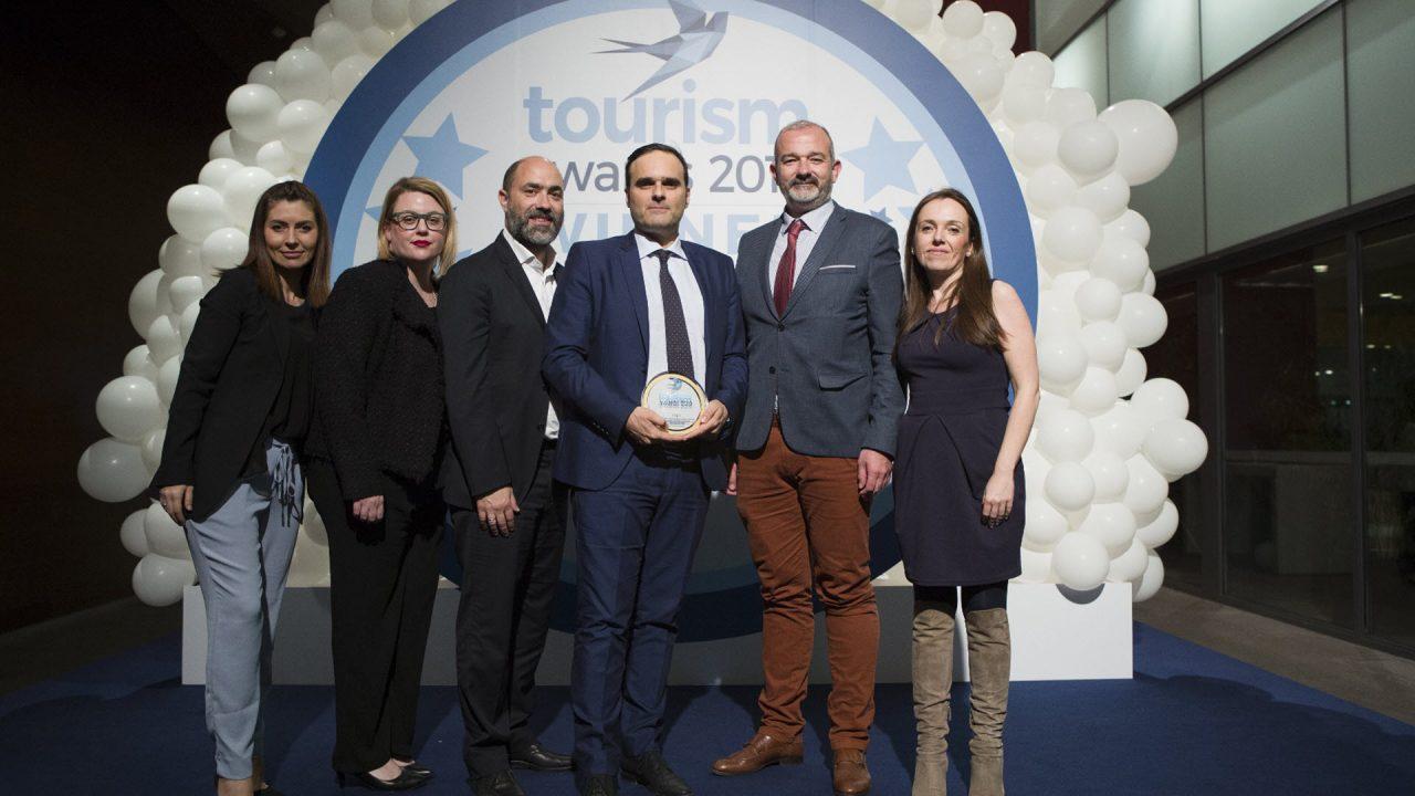 https://www.matrixlife.gr/wp-content/uploads/2019/04/lg_tourism_awards_2019_photo_2_0-1280x720.jpg