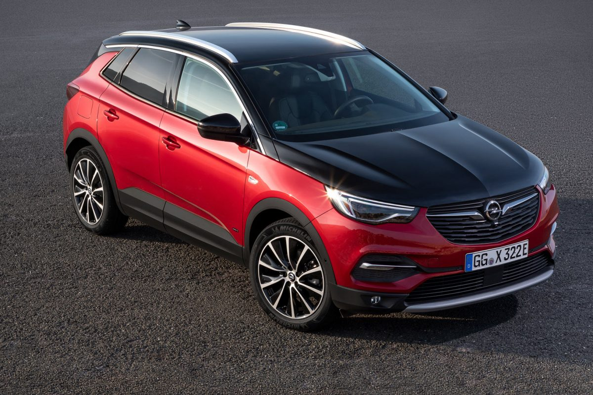 Έτοιμο για δράση: Opel Grandland X All-Wheel Drive Plug-In Hybrid