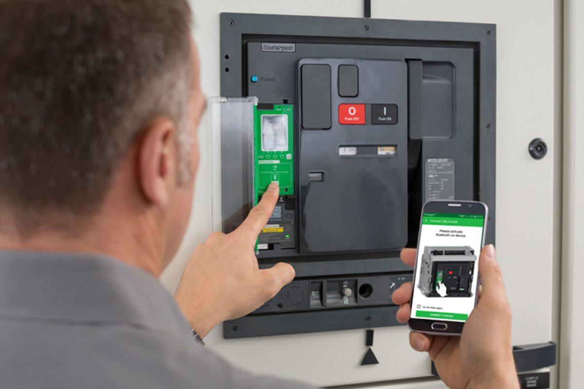 Η Schneider Electric επαναπροσδιορίζει τη διανομή ηλεκτρικής ενέργειας μέσω της ψηφιοποίησης