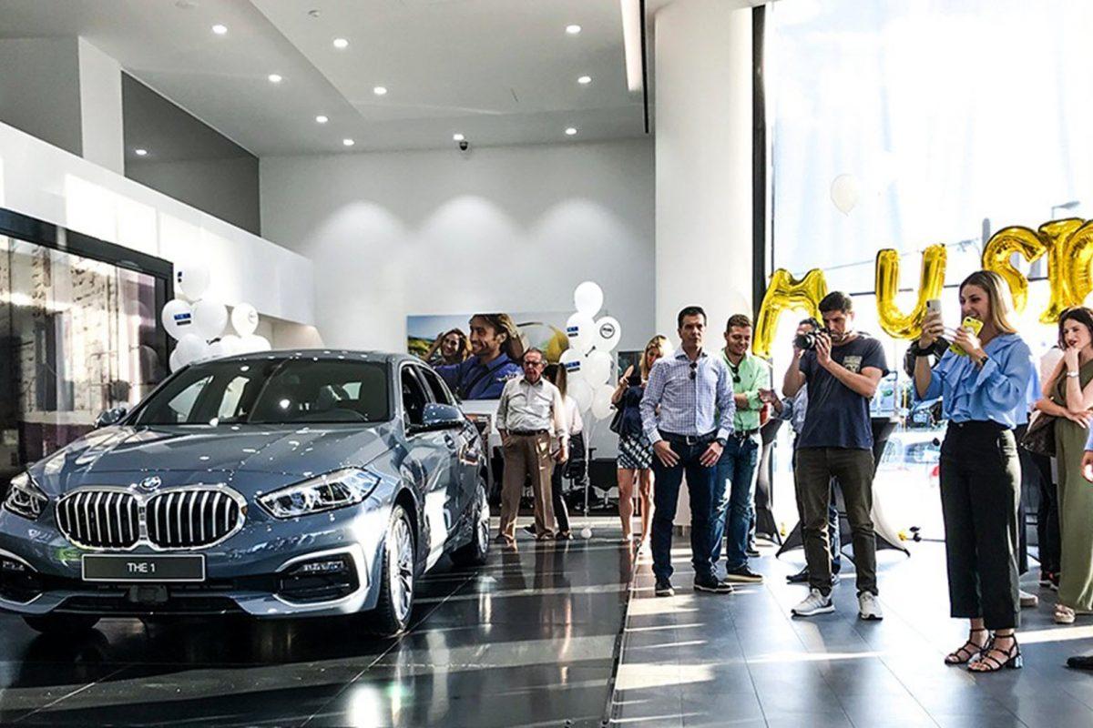 BMW Σειρά 1, έφτασε στην Σπανός ΑΕ με πολύ μουσική και καλοκαιρινή διάθεση