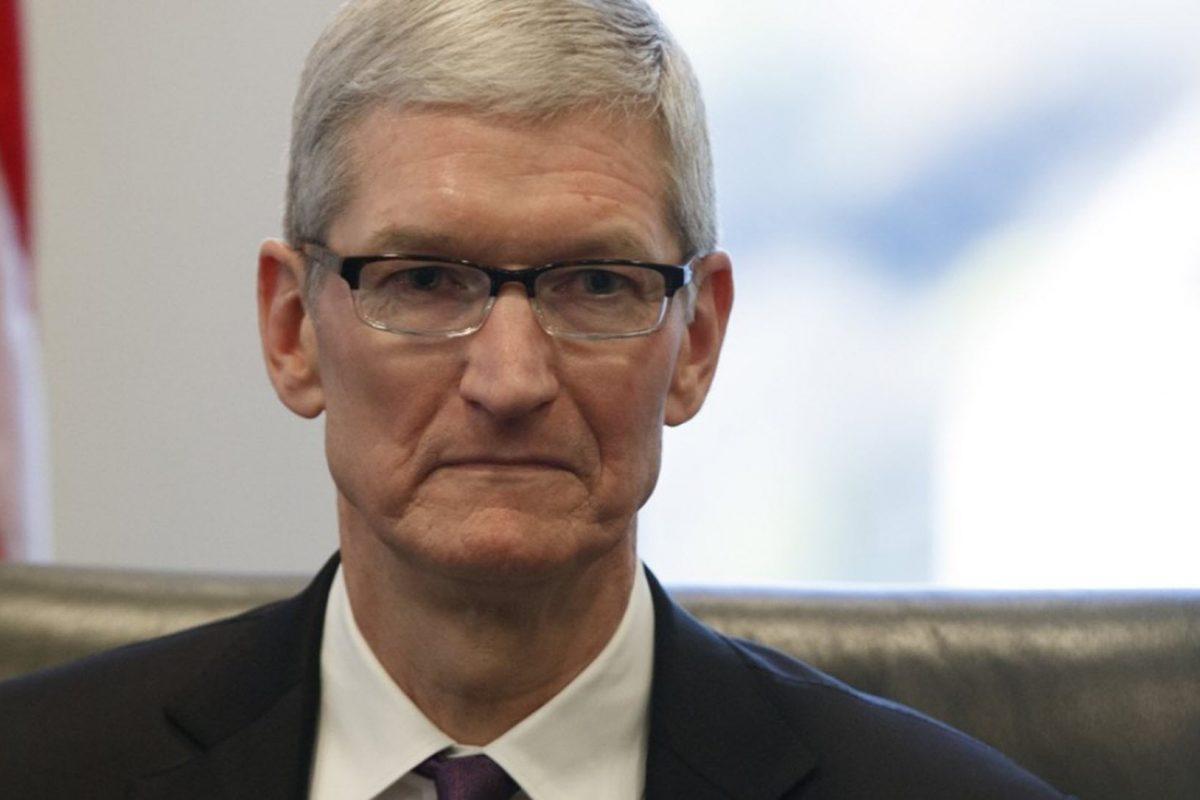Ο Tim Cook προειδοποιεί ότι ο εμπορικός πόλεμος με την Κίνα ευνοεί την Samsung και «σκοτώνει» την Apple