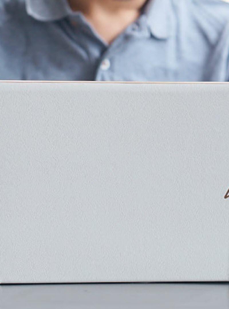 Asus ZenBook 30 Edition: Επετειακό, καλά εξοπλισμένο και με «διαστημική» σχεδίαση!