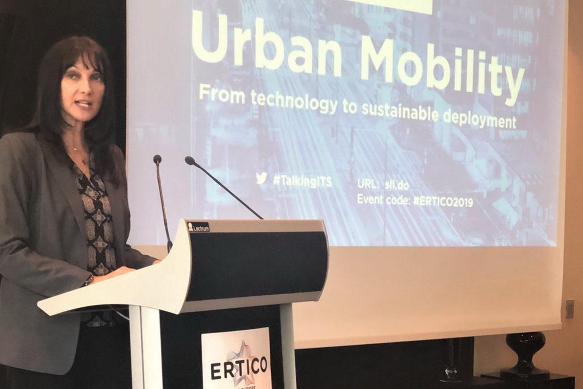 Ομιλία της Έλενας Κουντουρά για το μέλλον των 'ευφυών' αστικών μεταφορών